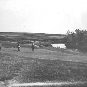 136 Early golf pic